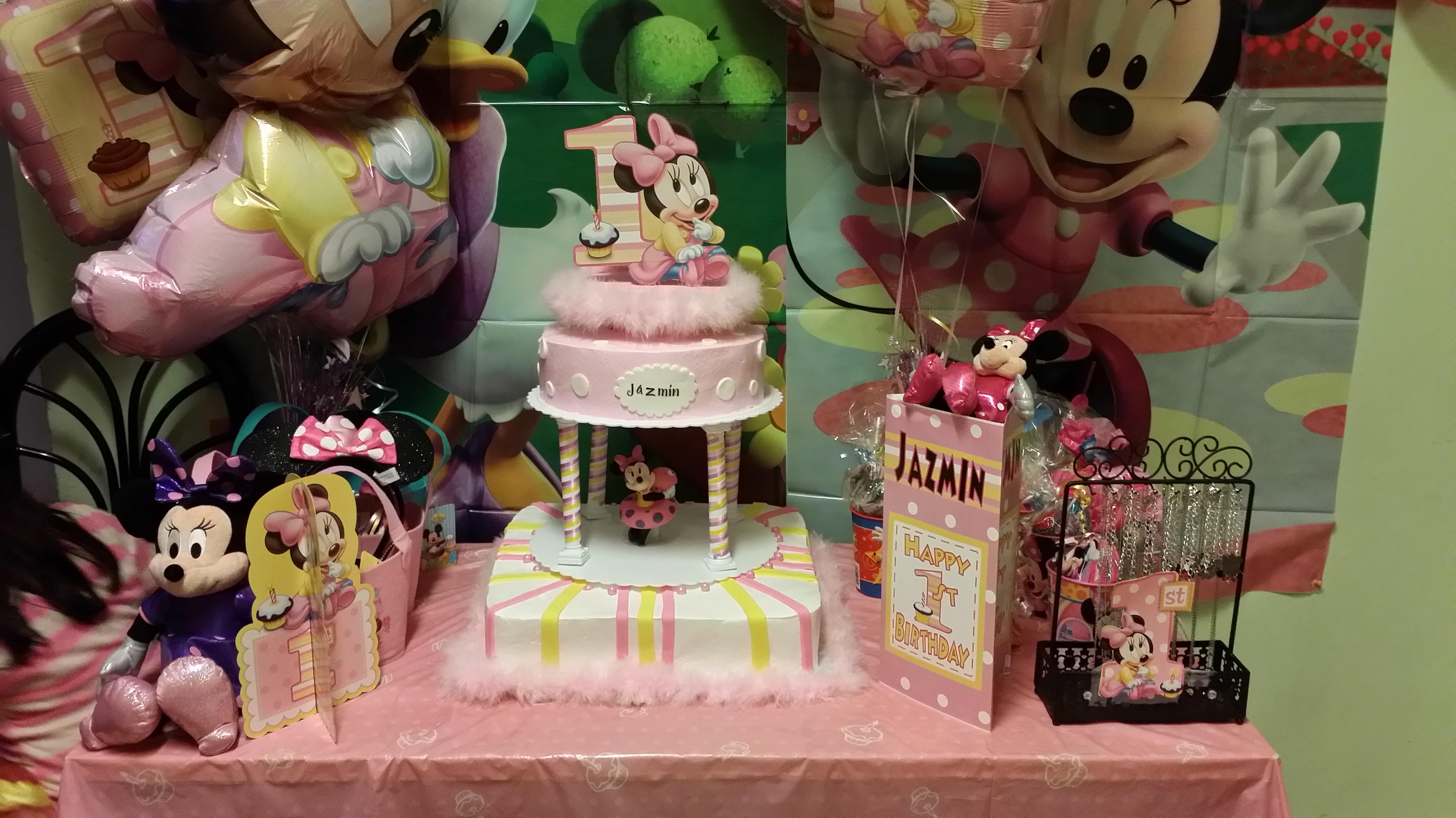 La decoración de la fiesta del primer añito de mi bebe ...